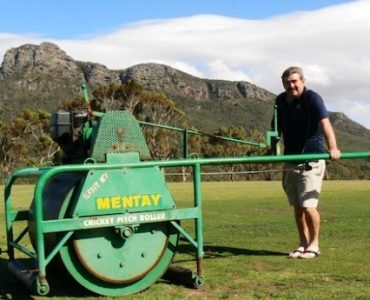 Les Burdett poised to travel Victoria
