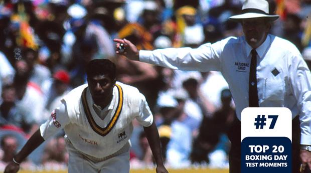 Boxing Day Test Memorable Moments #7 鈥 Umpire Hair calls Murali