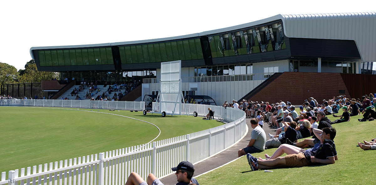 Junction Oval Crowd